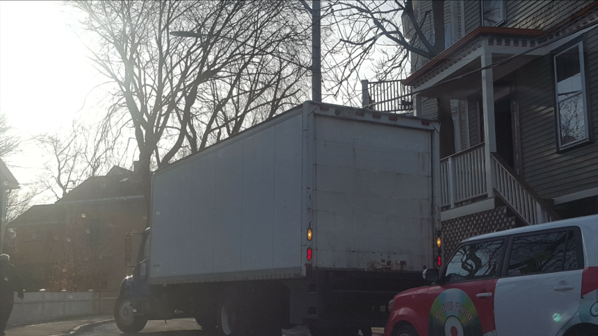How To Park A Moving Truck Safe Responsible Movers